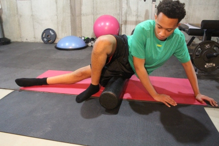 how to use a foam roller for itb